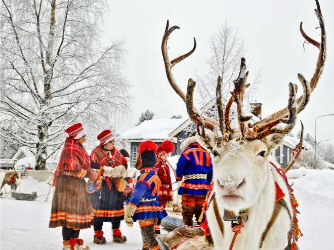 sami-reindeer-herders-sweden_75682_990x742